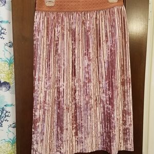 Lovely pink crushed velvet midi skirt, size 2X